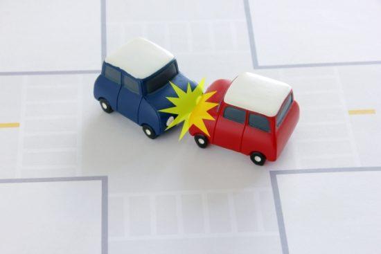 車の事故のイメージ